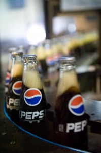 Serm Suk se chargait de l'embouteillage pour Pepsi en Thaïlande