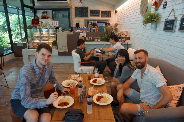Avec Kevin, Jasmine et Fon au 66 Cottage !